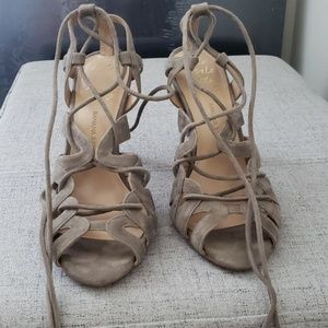 Strappy sandals in soft olive